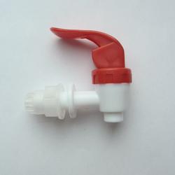 Кран пластиковый для емкости, под диаметр 12 мм