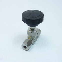 Кран игольчатый, нержавейка, 6 мм, вид сбоку